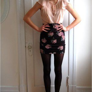 Aritzia Talula Black Floral Bodycon Mini Skirt XS